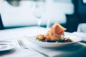 3 Top Restos à Paris Recommandés Par Claude, Gastronome Avisé