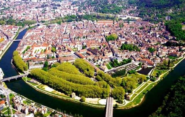 Berges Besançon et bouvle du Doubs x 640