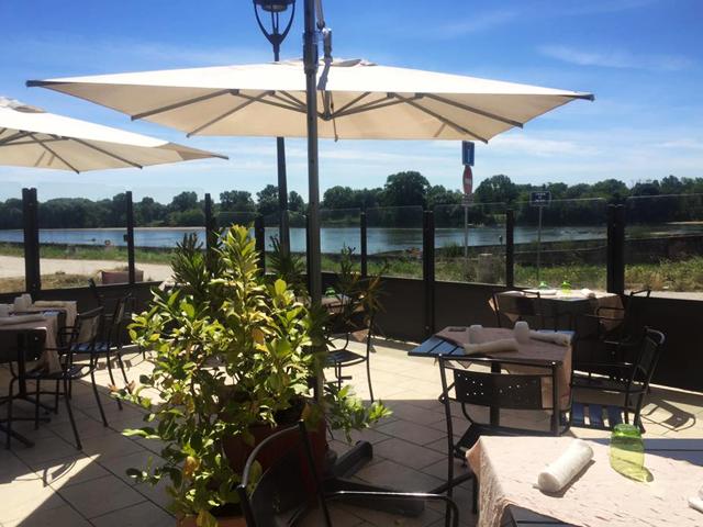 Restaurant bord de l'eau Orléans - Les terrasses de Loire