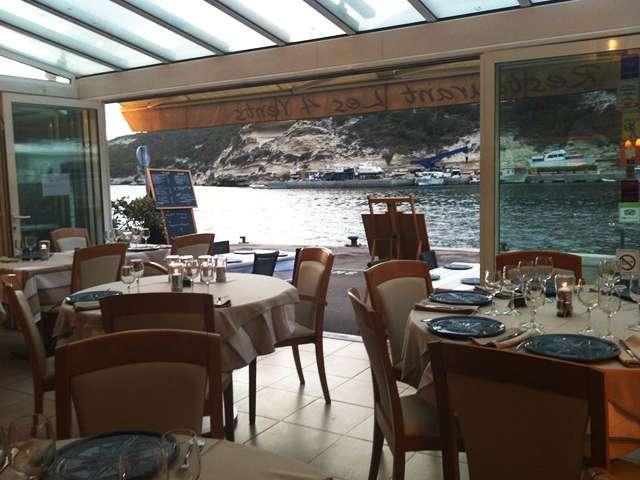 5 tables romantiques bonifacio for Restaurant bonifacio port